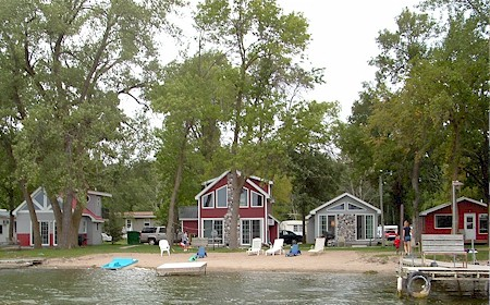 Minnesota resorts on lake osakis holiday resort for Minnesota fishing resorts